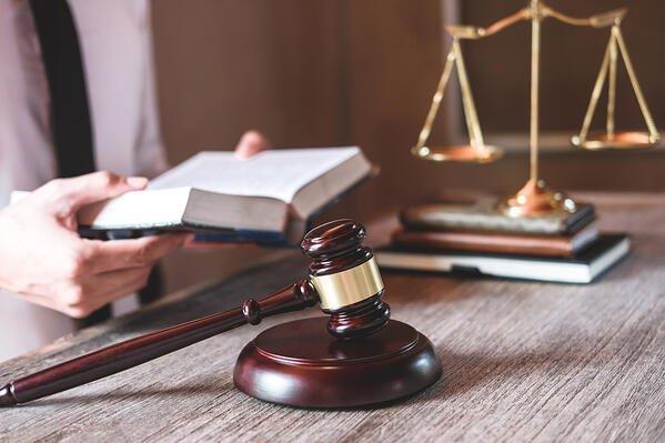 Derecho Constitucional, Septiembre